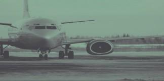 Kenapa Lampu Kabin Pesawat Diredupkan Jelang Terbang pun Mendarat?