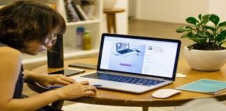 Mengatasi Mata Lelah Akibat Menatap Layar Komputer